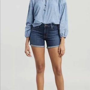 Levi's Midlength Jean Shorts, size 29